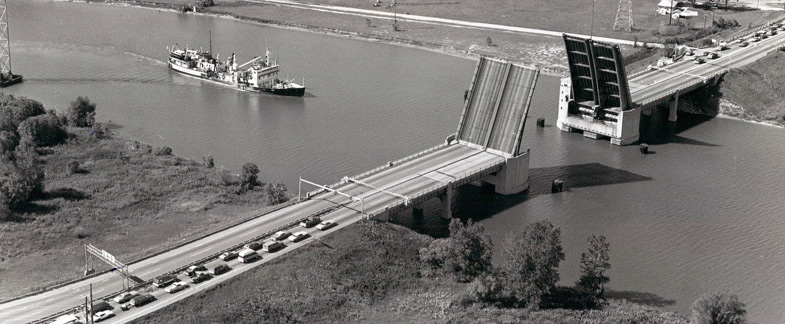 Zilwaukee Bridge in 1979, from a news photo